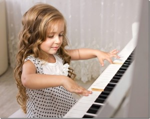 Piano-Lessons%20girl[1]